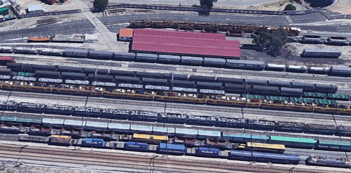 Adif ofrece a la automoción 166.000 metros cuadrados en la terminal de Villaverde