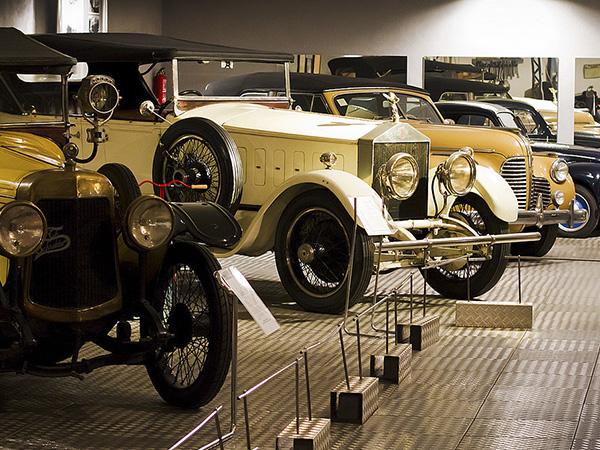 El Museo de Historia de la Automoción de Salamanca, de la Fundación Gómez Planche, acoge la exposición '1919/2019 100 años de Citroën'