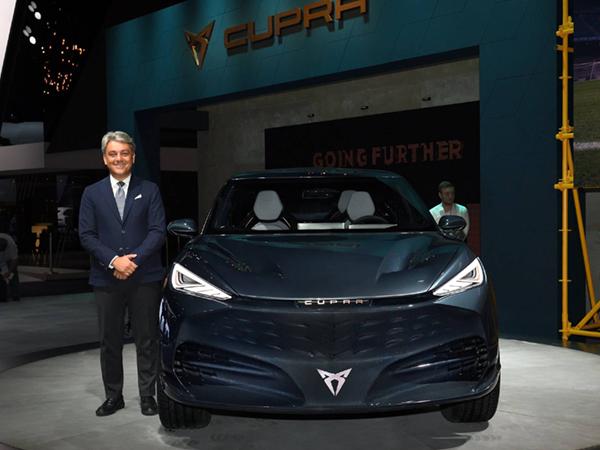 El miedo a las multas de Europa acelera la electrificación de las marcas de coches