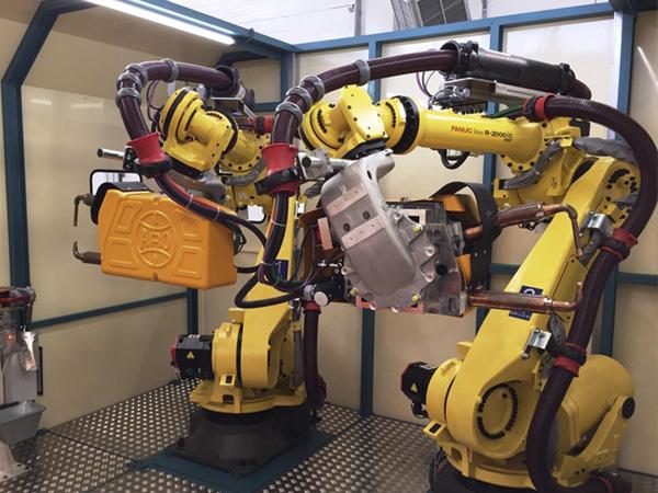 Mil robots por cada 10.000 operarios en la industria de automoción en España