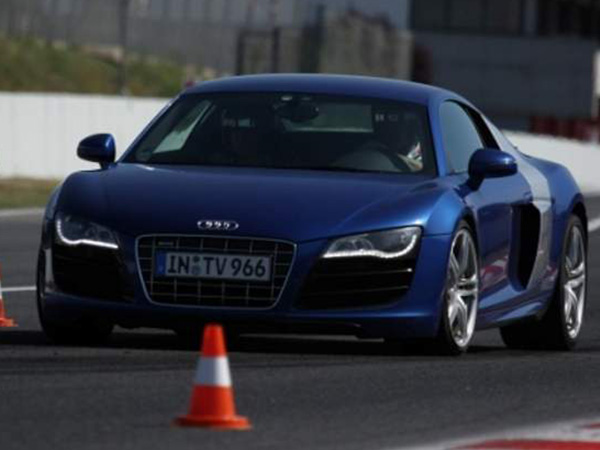 """DGT premiará con dos puntos del carné a los conductores que realicen cursos de """"conducción segura"""""""