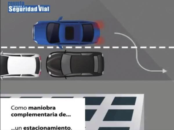 La DGT te explica los casos en los sí puedes dar marcha atrás con el coche (vídeo)