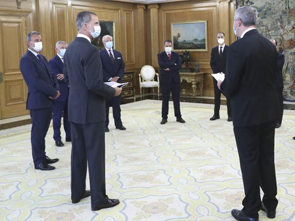 Anfac expone al rey los retos de la automoción española
