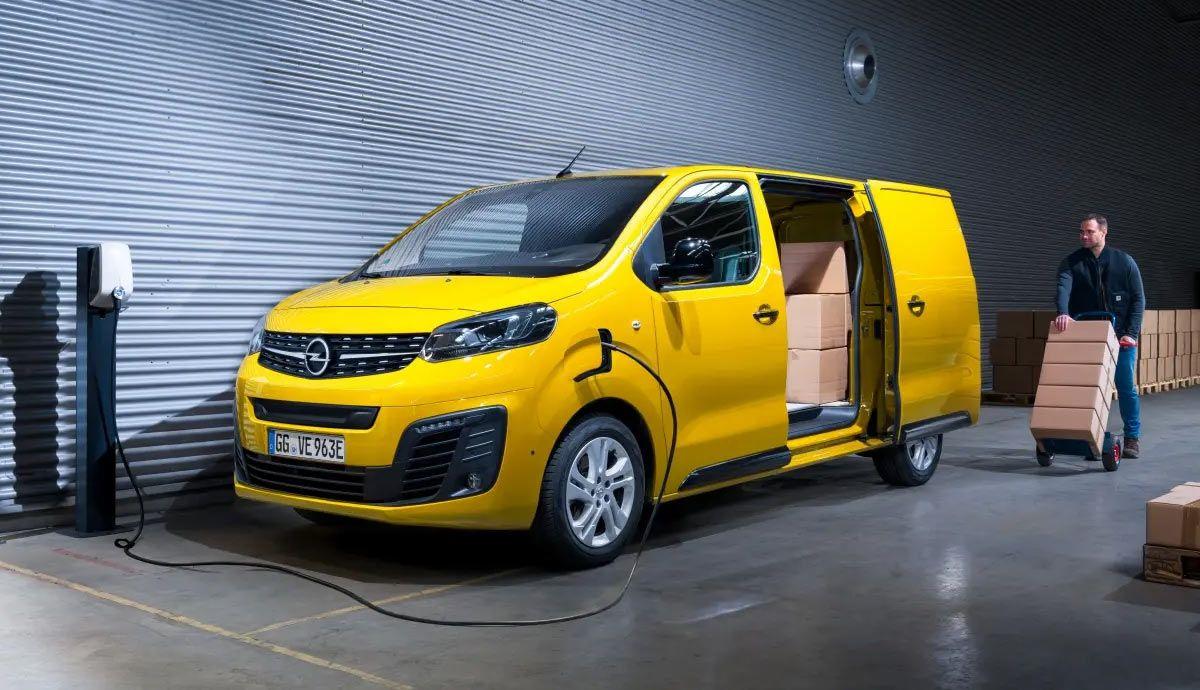 La DGT amplía el carné B para conducir también furgonetas eléctricas: todos los detalles